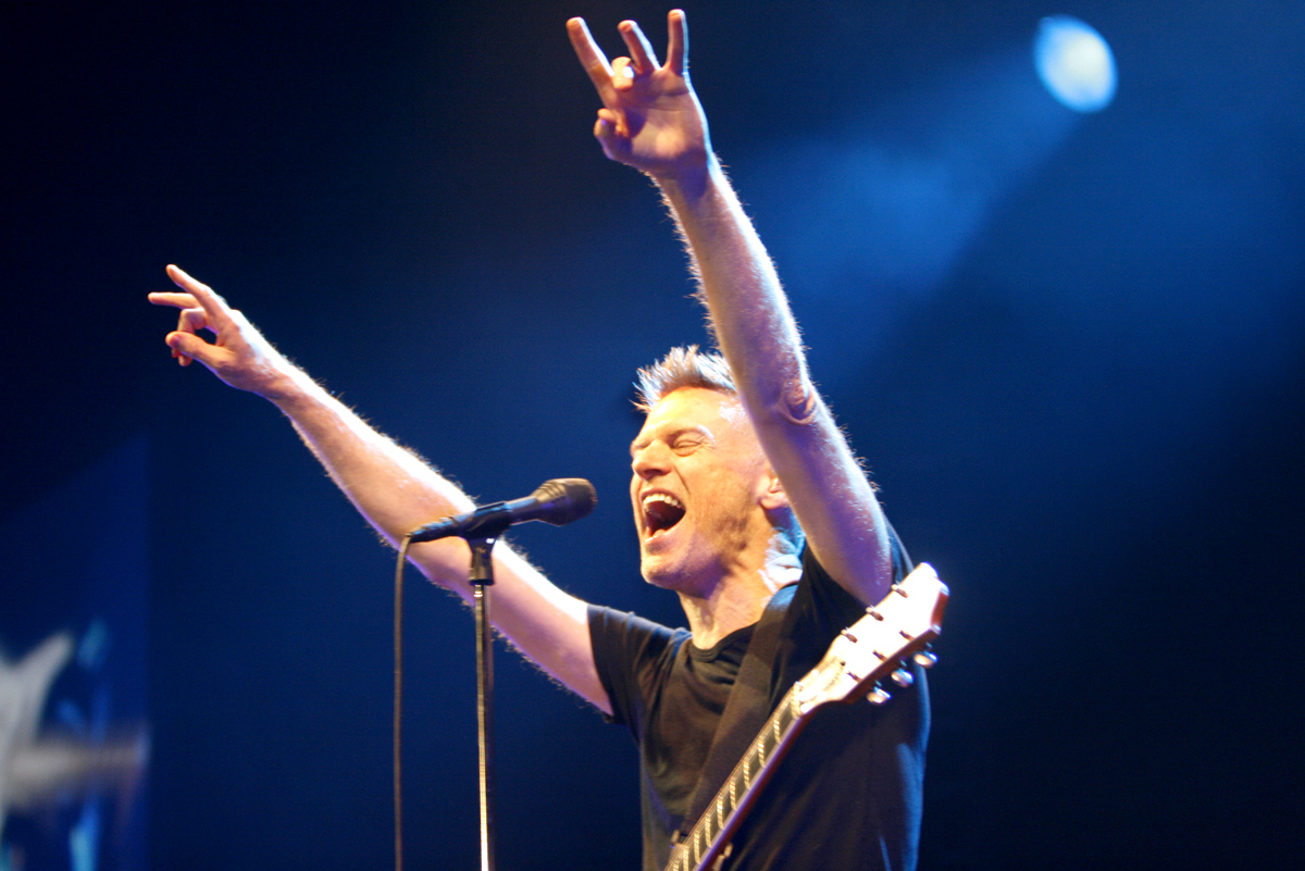 bryan adams touch the hand live in the studio waking up the neighbours. Black Bedroom Furniture Sets. Home Design Ideas