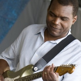 The_Robert_Cray_Band_31-450x337