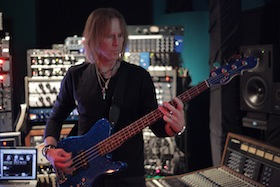 tom_hamilton_playing_bass_online