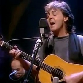PAULMceGwxamphMTI=_o_paul-mccartney---and-i-love-her---live-unplugged-hd