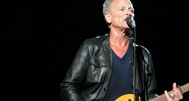 "Live Track: Fleetwood Mac's Lindsey Buckingham ""Never Going Back Again"" 1992"