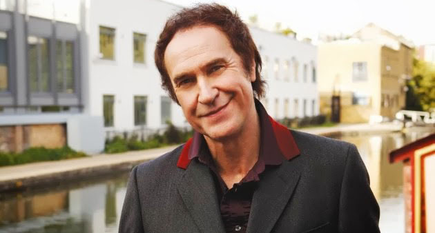 Medium Rare: The Kinks Early Best with Ray Davies